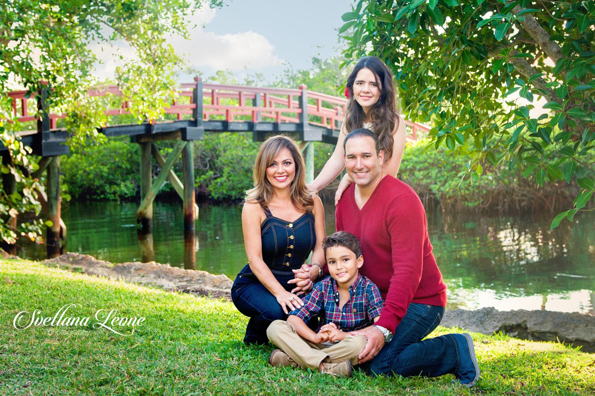 Jeannette & Michael Family-24logo