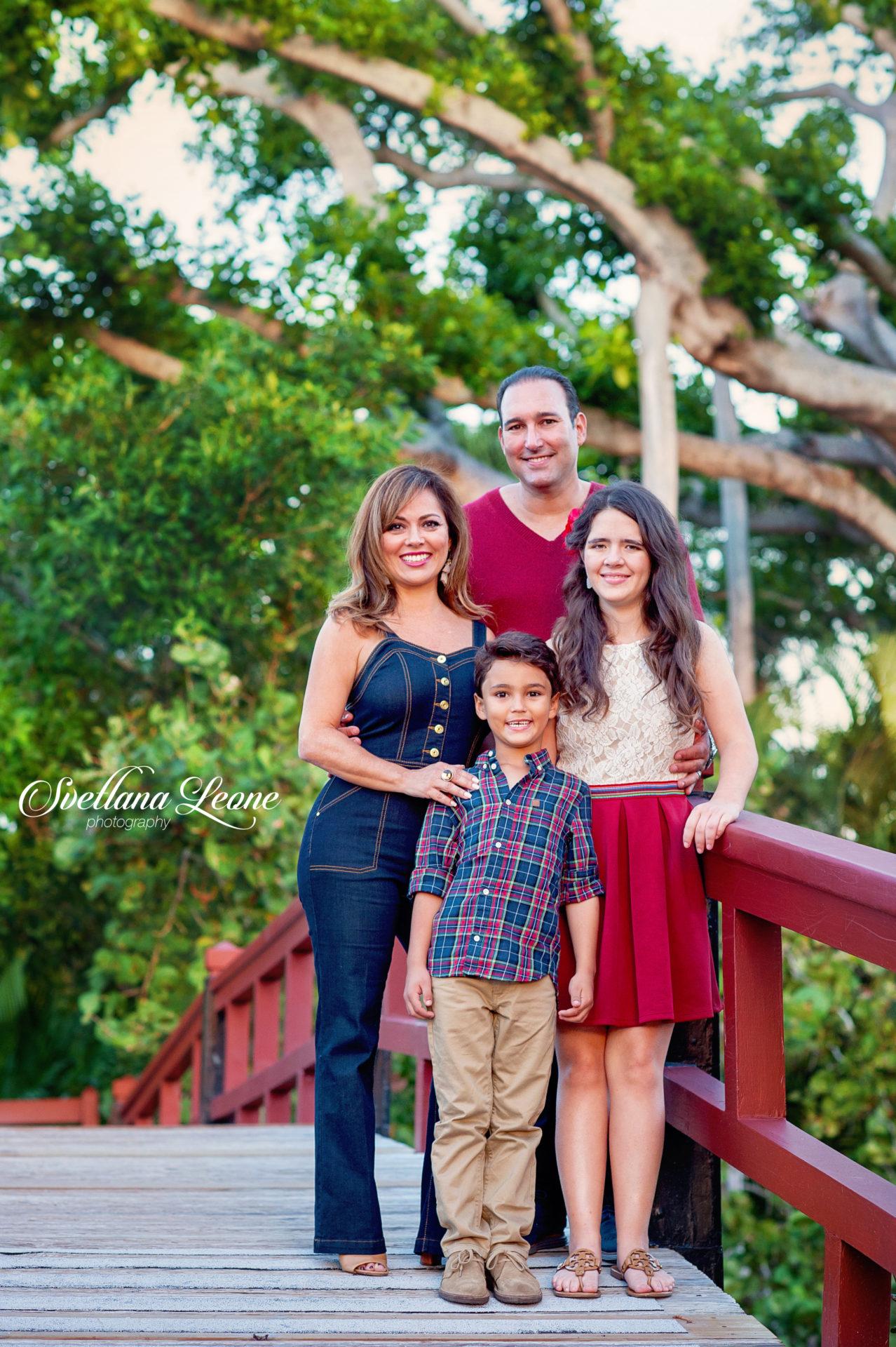 Jeannette & Michael Family-91logo