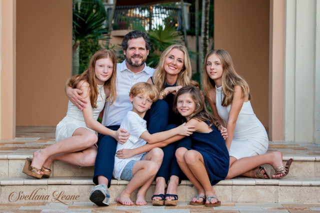 Palm Beach Gardens Family Photographer: Carolina and Heath with their kids