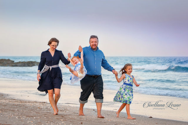 Single Island Family Photographer: Anya and Dmitriy with their girls