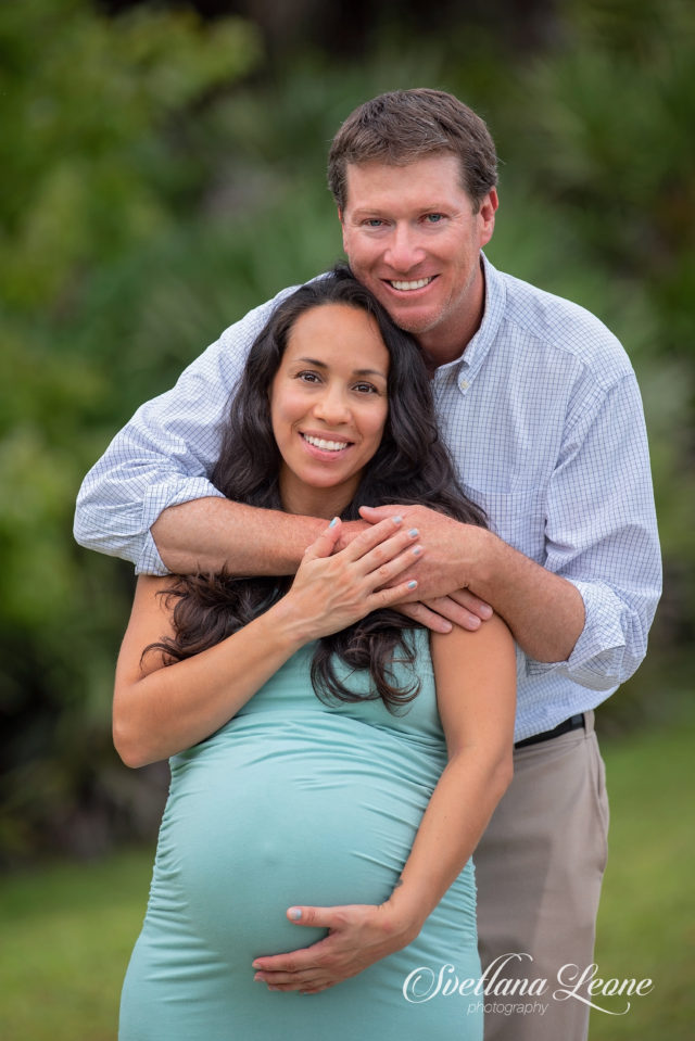 Palm Beach Gardens Photographer: Melissa & Jason with daughter Penelope